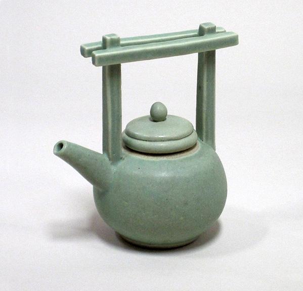huang-blue-round-teapot-_1