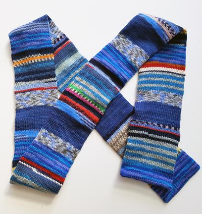 blue-sock-yarn-tube-scarf
